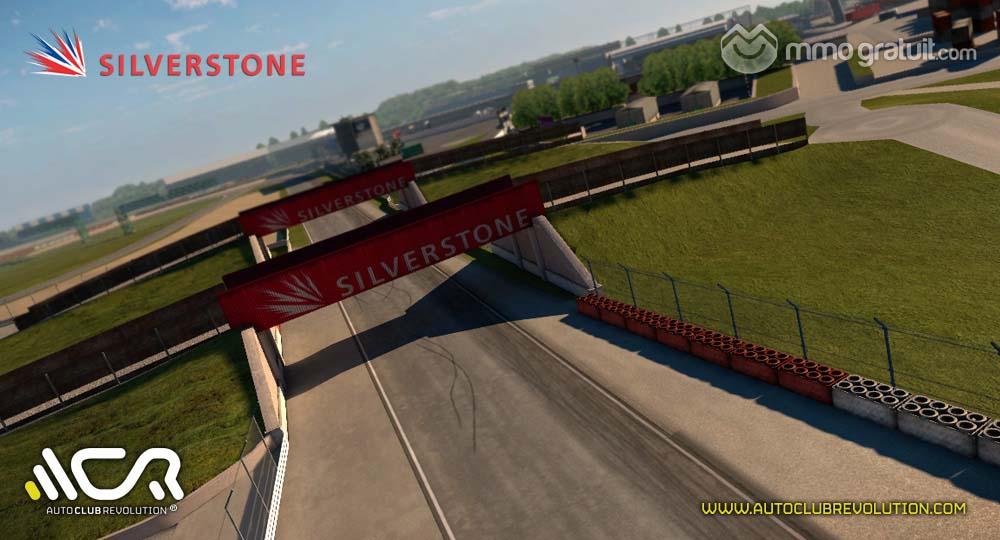 Cliquez sur l'image pour la voir en taille réelleNom : Auto-Club-Revolution-Silverstone-4 copia.jpgAffichages : 70Taille : 89,3 KoID : 9091