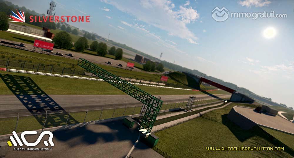 Cliquez sur l'image pour la voir en taille réelleNom : Auto-Club-Revolution-Silverstone-2 copia.jpgAffichages : 64Taille : 89,5 KoID : 9092
